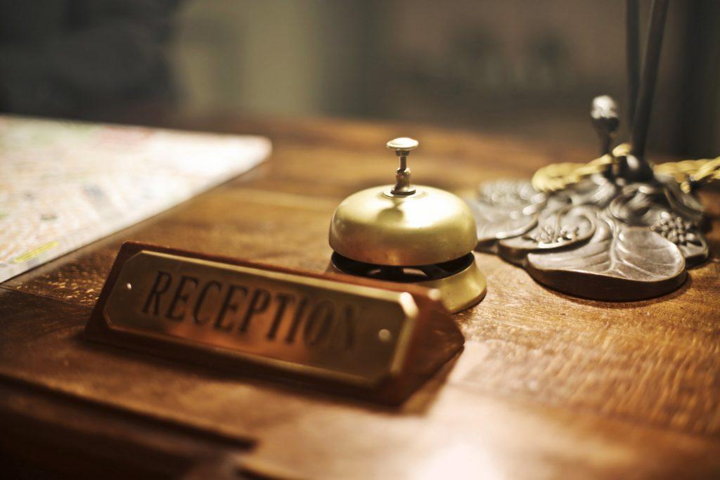 Hotel-concierge-software-reception-desk